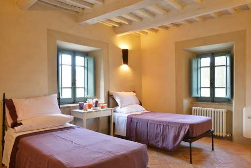 Il Cornello - Another of the air-conditioned twin bedrooms.