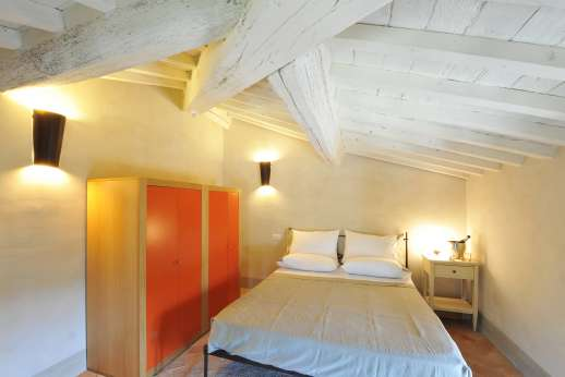 Il Cornello - Second floor Mansarda air-conditioned double bedroom.