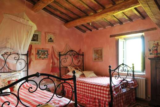 Il Fienile - The first floor twin bedroom.