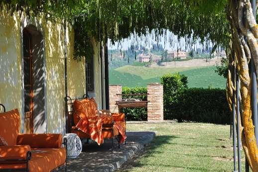 Il Granaio - A lovely shaded pergola.