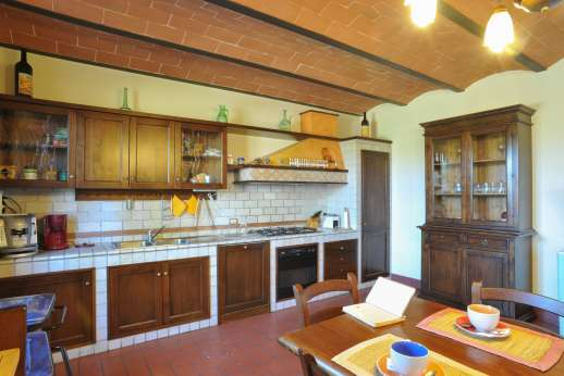 Il Renaccio - Kitchen and dining area