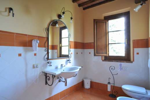 Il Renaccio - An en suite bathroom.