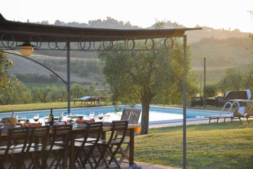 Il Renaccio (x 20 people) with Staff and Cook - The villa is literally surrounded by hill towns, including San Gimignano and Certaldo.