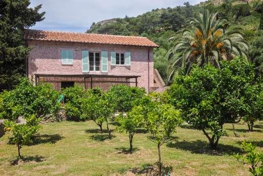 Isola Rossa - Isola Rossa. 7km/5 miles  from Porto Ercole. Southern Tuscan Coast.