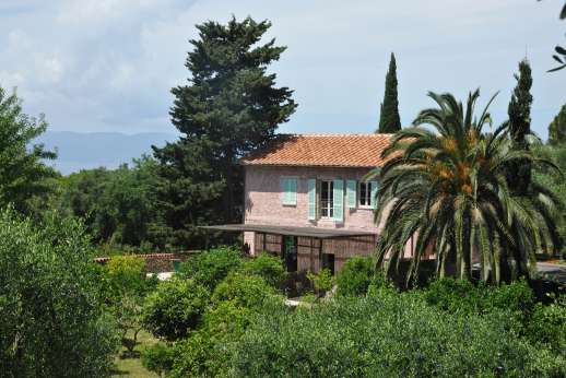 Isola Rossa - Isola Rossa, surrounded by trees, plants and the sea, will be the perfect setting for your Tuscan holiday!