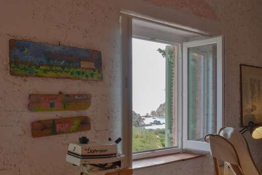 Isola Rossa - Enjoy the sea views!