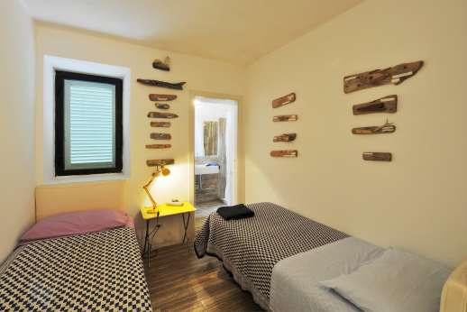 Isola Rossa -Twin bedroom