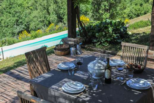 L'Olmo (x 2 people) with Staff and Cook - Dine in comfort surrounded by wonderful views.