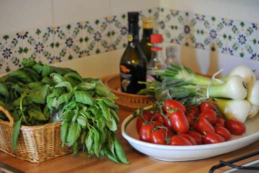 L'Olmo (x 4 people) with Staff and Cook - Fresh and tasteful produces so part of Italian life.