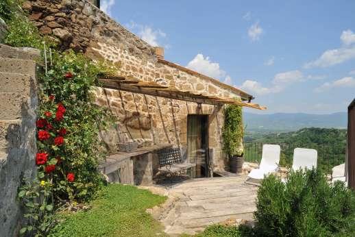 L'Orto di Alice - L'Orto di Alice, overlooking the Umbrian countryside.