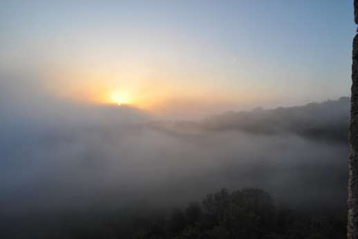 L'Orto di Alice - Sun rising over the low laying mist in the morning