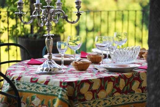 L'Orto di Alice - Terrace perfect for al fresco meals.
