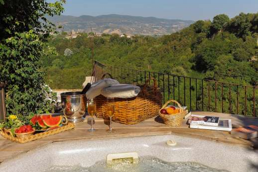 Honeymoon and L'Orto di Alice - A hot tub sits on one of the two terraces with spectacular views.