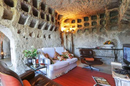 Honeymoon and L'Orto di Alice - Comfortable sitting room.