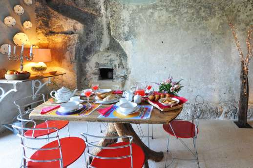 Honeymoon and L'Orto di Alice - The house is furnished with great taste and attention to detail.