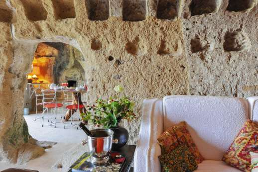 Honeymoon and L'Orto di Alice - The beautiful stone house has been recently restored into a remarkable charming and comfortable air conditioned home.