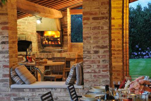 La Badiole - Dining Loggia with wood burning barbecue