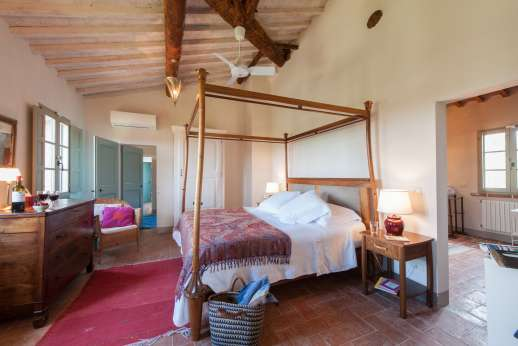 La Badiole - Air-conditioned double bedroom with an ensuite bathroom with shower