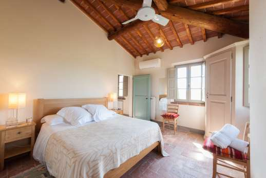 La Badiole - Air-conditioned double bedroom with an ensuite