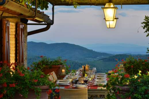 La Casa di Montegrossi - Enjoy the sunset on the top tier dining area