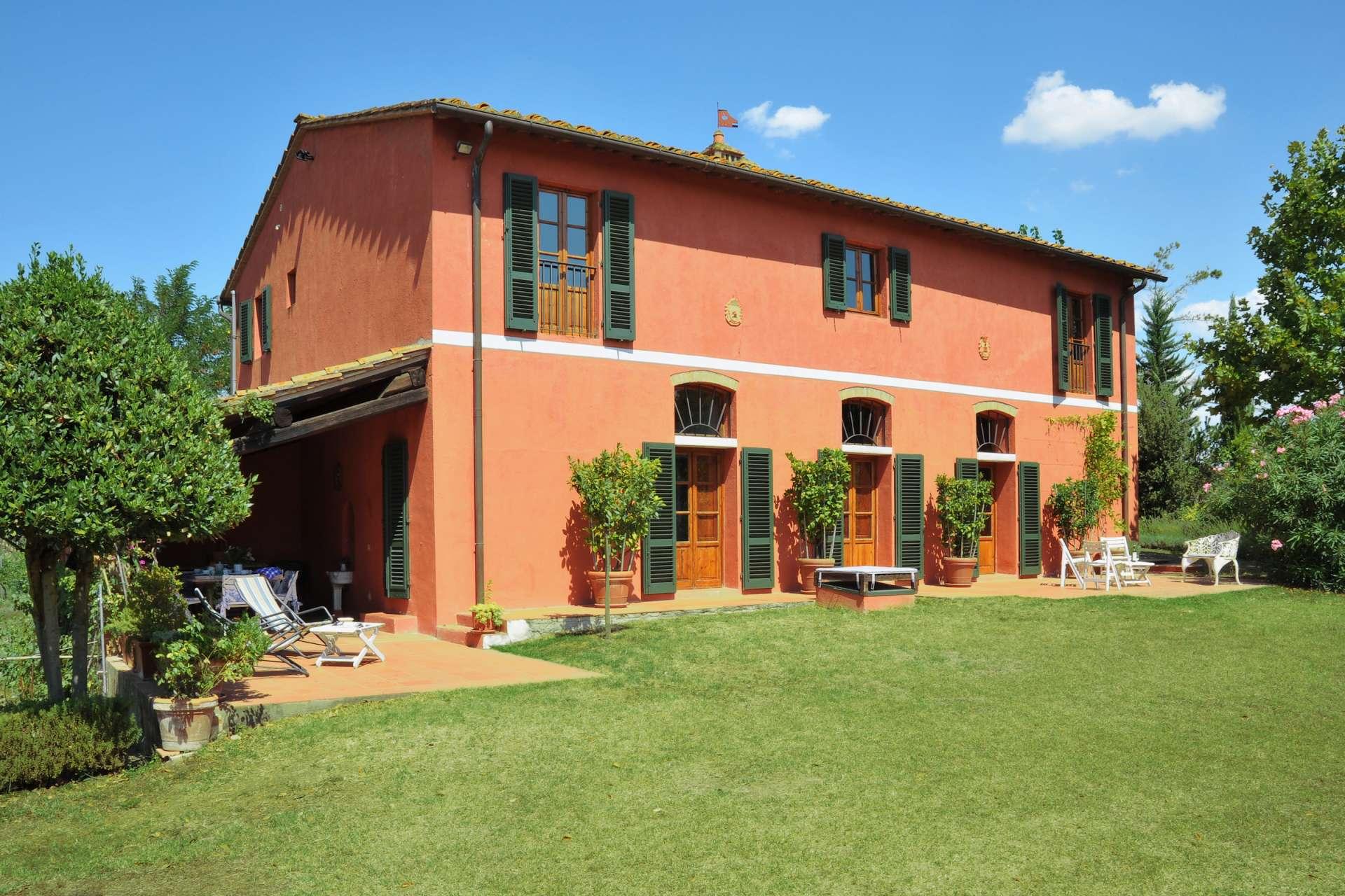La Casa Rossa | 5 Bed Luxury Villa with Pool | San Gimignano