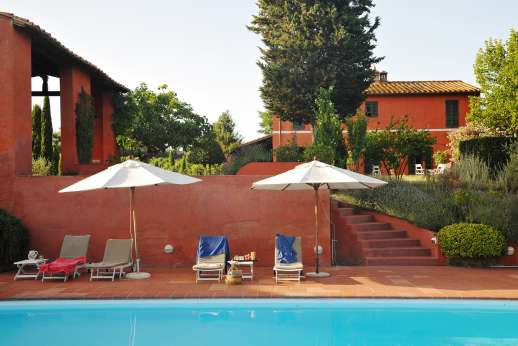 La Casa Rossa - Very comfortable restored farmhouse near San Gimignano.