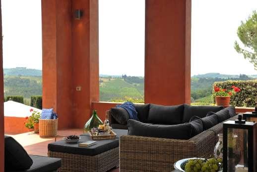La Casa Rossa - Beautiful views from the loggia.