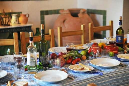 La Casa Rossa - Perfect dining al fresco, take advantage of the cook service available.
