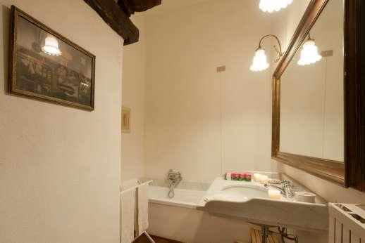 La Fattoria di Sarteano - Bathroom