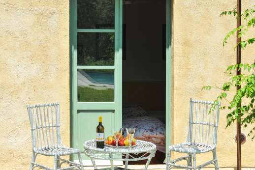 La Magione - Enjoy an aperitivo before dinner.