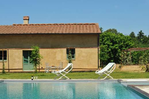 La Magione - The salt water pool is right next to the villa.