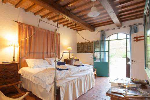La Magione - Accessible from the garden only the double bedroom with bathroom with shower