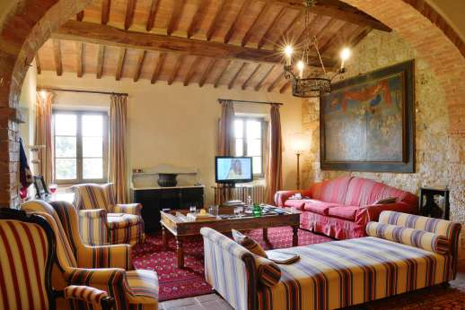 La Piana - Large first floor sitting room with working fireplace in the main house.