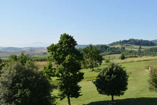 La Piana - The beautiful countryside at the heart of the famous Crete Senesi.