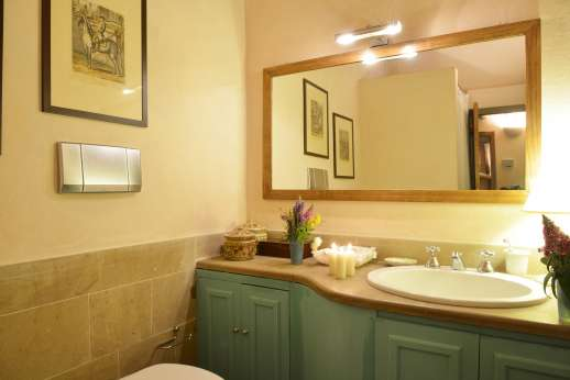 La Piana - Bathroom.