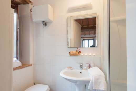 La Pianstella - Ensuite bathroom