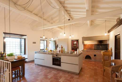 La Tegolaia - New morden kitchen in the main house