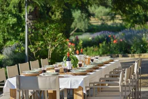 La Tegolaia - Relax and dine outdoors