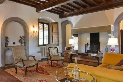 La Tegolaia - The first sitting room with working fireplace.