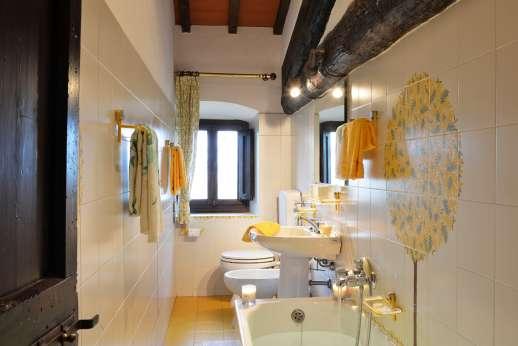 La Tegolaia - En suite bathroom.