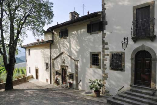 La Villa Di Petroio - The entrance of the east guest wing and chapel to one side.