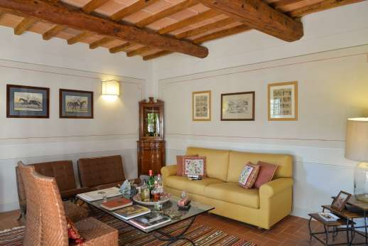 La Villa Di Petroio - Sitting room in the west guest wing ground floor