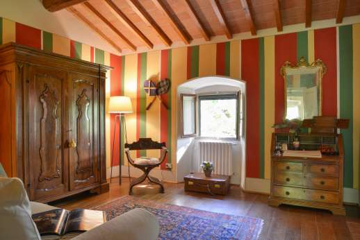 La Villa Di Petroio - Another view of the beautifully furnished room