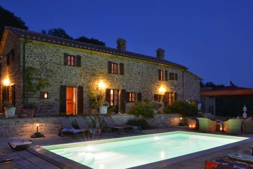 Le Bruciate - The pool is fully lit, ideal for a refreshing evening swim.