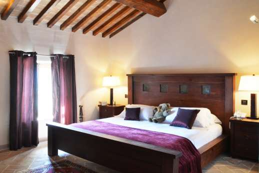 Le Bruciate - Air conditioned double bedroom on the first floor.