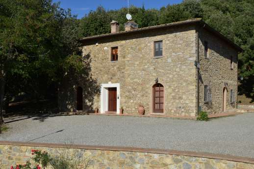 Montaspro - Entrance to Montaspro, a very charming stone farmhouse, ideal for a a perfect holiday.