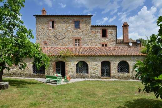 Pergoletto - Pergoletto a delightful 14th century farmhouse surrounded by its own orchards and woodlands.