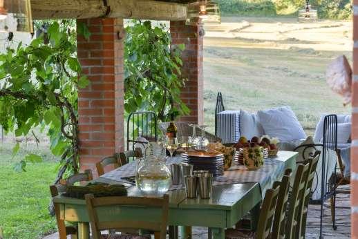 Pergoletto - The loggia perfect for al fresco dining.
