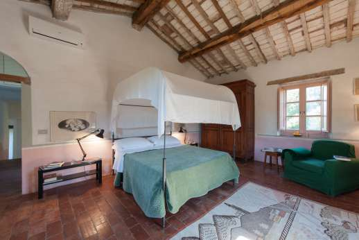 Pergoletto - Another of the spacious bedrooms.