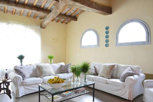 Podere Castelluccio - A bright and spacious villa.